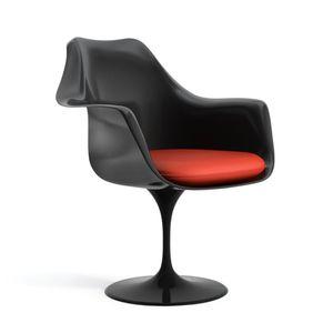 cadeira-tulip-eero-saarinen-braco-17-preta